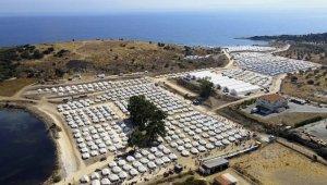 Yunanistan'daki mülteci kampında 243 kişide Covid-19 tespit edildi