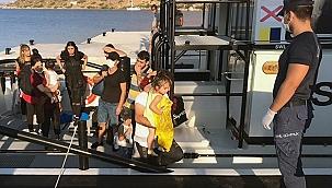 Yunanlılar çocukların da bulunduğu 19 kişiyi ölüme terk etti