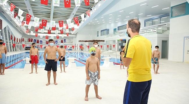 Çayırova'da yüzme bilmeyen kalmayacak