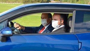 Cumhurbaşkanı Ersin Tatar KKTC'nin yerli otomobili ile test sürüşü gerçekleştirdi