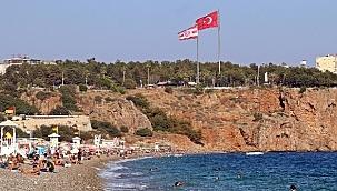 Dünyaca ünlü sahilde 'yüz yüze eğitim' sakinliği