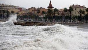 Fransa ve İtalya'daki sellerde 2 ölü, 25 kayıp