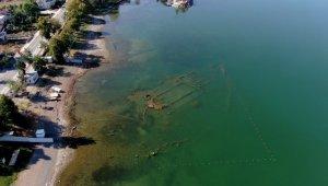 İznik Gölü çekilince bin 500 yıllık bazilika ortaya çıktı