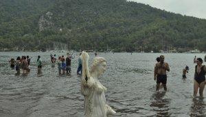 Kızkumu yerli ve yabancı turistlerin gözdesi olmaya devam ediyor