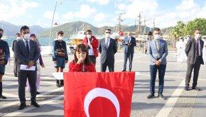 Marmaris'te Cumhuriyet Bayramının 97.yılı karada ve denizde kutlandı
