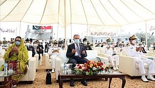 MİLGEM korvetlerinin üçüncüsü Karaçi'de törenle kızağa konuldu