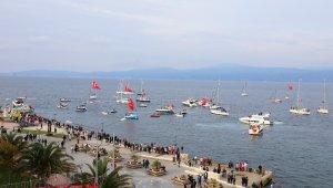 Mudanya'da teknelerle Cumhuriyet Korteji