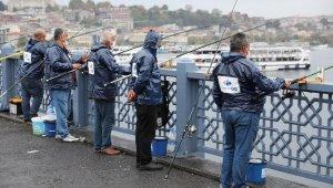 Olta balıkçılarına malzeme desteği
