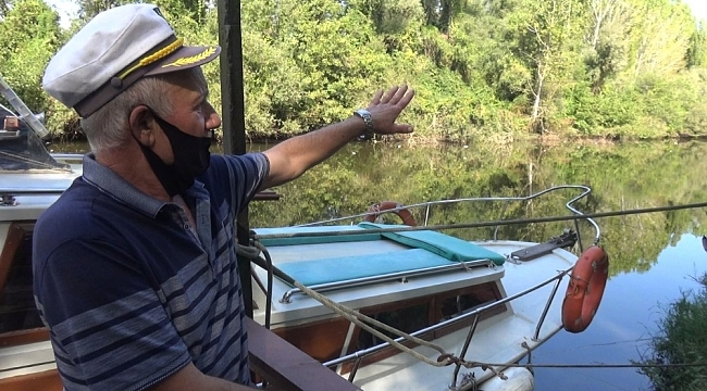 Yüzeyi çöplerle kaplanan Bartın Irmağında balık ölümleri görüldü