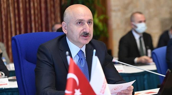 """Bakan Karaismailoğlu: """"Çin-Türkiye arasındaki 12 günlük seyir süresini 10 güne düşürmeyi hedefliyoruz"""""""