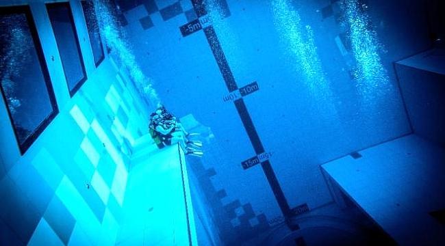 Dünyanın en derin yüzme havuzu Polonya'da hizmete girdi