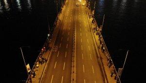 Galata köprüsünde olta balıkçılarının yoğunluğu havadan görüntülendi