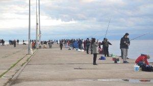 Sinop'ta amatör balıkçıların yüzü güldü