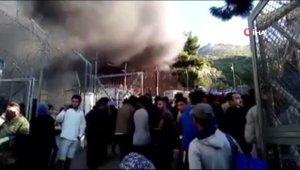 Yunanistan'da bir sığınmacı kampında yangın