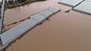 Antalya Havalimanı bölgesine metrekareye 223.2 kilogram yağış düştü