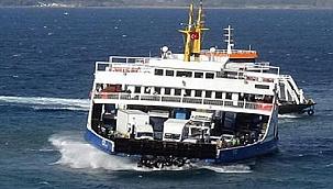 Çanakkale'de yaşanan lodosta feribotlar beşik gibi sallandı! (Video)