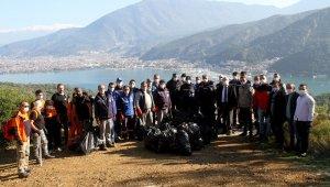 Fethiye'de 3 saatte, 5 ton çöp toplandı