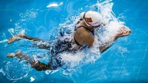 Havuzdan 100 madalya çıkardı