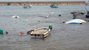 Mersin'de balıkçıların fırtına nöbeti