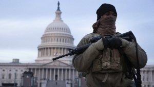 ABD'de yönetim binalarının önü Ulusal Muhafızlarla dolu