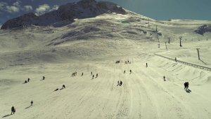 Antalya'nın kayak merkezi Saklıkent misafirlerini bekliyor