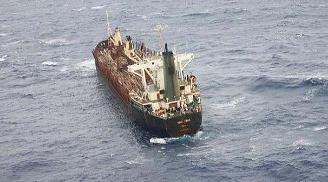Batma tehlikesi geçiren gemiyi 22 mürettebatı terk etti!