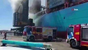 Buenos Aires Limanı'nda korkutan yangın