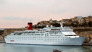 Carnival Cruise'un ilk gemisi 38 yıl sonra Hindistan'da söküme gitti!