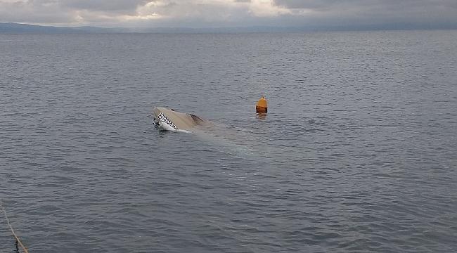 Fırtınaya dayanamayan tekne battı