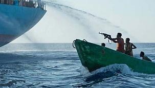 Gine Körfezi'ndeki korsanlık küresel sorun haline geldi: 135 mürettebat kaçırıldı!