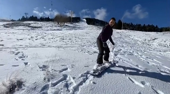 Hülya Avşar Uludağ'da kayak yaptı