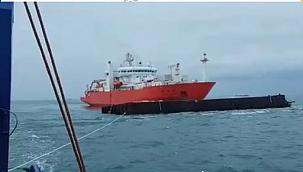 Kablo döşeme gemisi 4.000 tonluk mavnaya bodoslama çarptı!