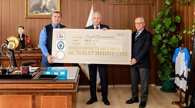 Mersin Deniz Ticaret Odasından öğrencilere tablet desteği