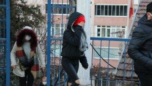 Parkta genç kızı darp eden şüpheli ve arkadaşı yakalandı
