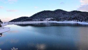 Tahtalı Yaylası'nda kartpostallık kar manzarası
