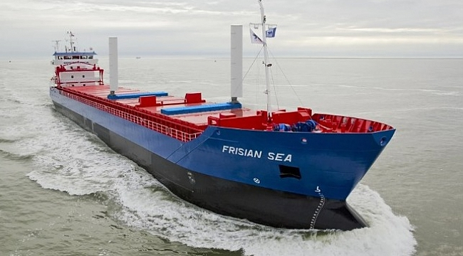 Yeni nesil yelkenli kargo gemisi seyirde!