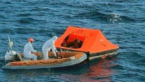 Yunanlılar tarafından Türk karasularına itilen 5 göçmen kurtarıldı
