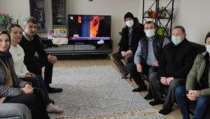 AK Parti'den korsanlar tarafından kaçırılan denizciye ziyaret