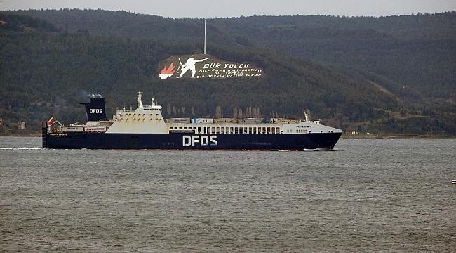 """Çanakkale'de yanan """"Gallipoli Seaways"""" isimli Ro-Ro gemisi, İstanbul'a dönüyor"""