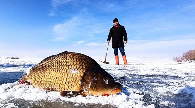 Donan Nazik Gölü'nde Eskimo usulü balık avı!