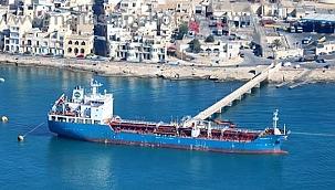 Gemi kaptanı ve üçüncü zabit cinayetle suçlanıyor: İzleri yok etmek için gövdeyi boyamışlar!