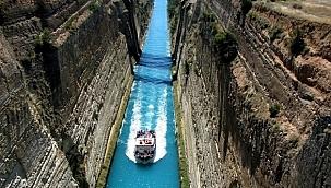 Korint Kanalı geçişleri askıya alındı: Aylar sürebilir!