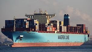 Pasifik'te arızalanan Maersk gemisi yüzlerce konteyner kaybetti!