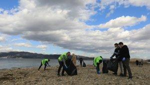 Sapanca Gölü çevresi temizlendi
