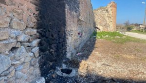 2500 yıllık surlarda ateş yaktılar