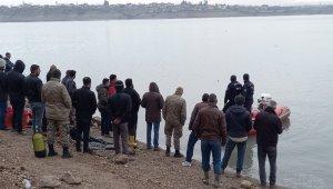 Alabora olan teknedeki kayıp balıkçının cansız bedenine ulaşıldı