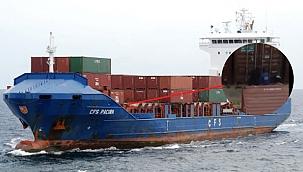 Alman konteyner gemisine binen korsanlar konteynerleri yağmaladı! (Video)