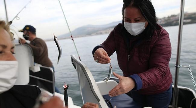 Bursalı kadın girişimci tekne alarak olta balıkçılığı turları düzenliyor!