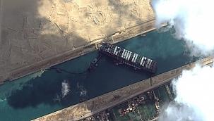 Gemiler Süveyş Kanalı'nın tıkanmasıyla Ümit Burnu'na yöneldi!