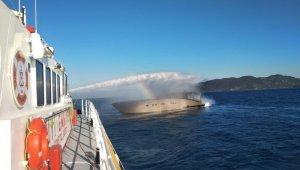 Göcek açıklarında yanan tekneden 4 kişi kurtarıldı